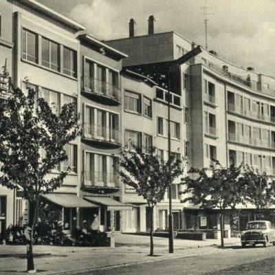 D'autres bâtiments ont vu le jour autour du cinéma.